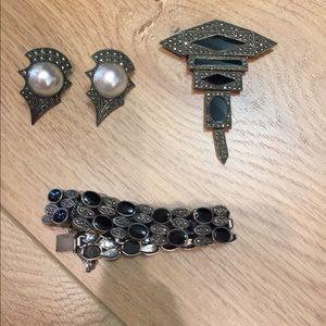 Jewelry - Sterling and onyx bracelet